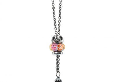 Roses-of-Family-Necklace